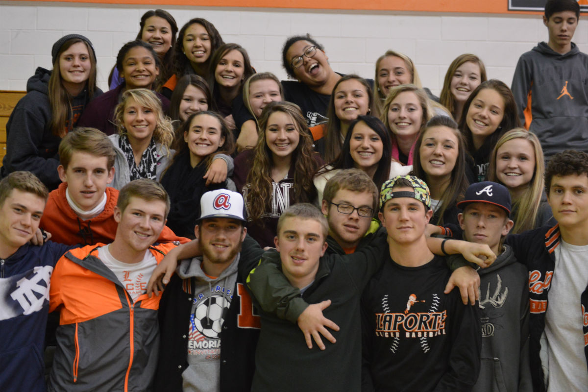 Pep Rally Recognizes Successful Programs at LPHS; Gets Fans Pumped for Semi-State
