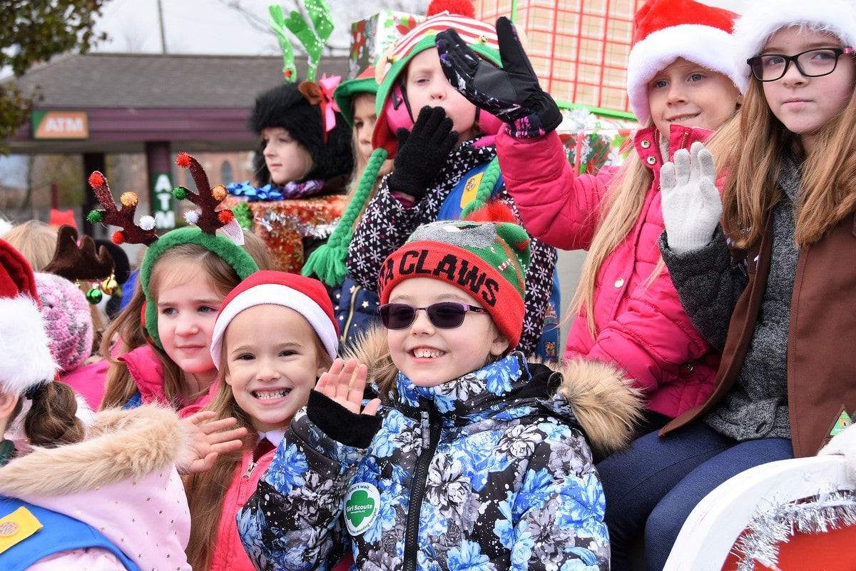 La Porte Santa Parade Welcomes Hundreds of Families to Visit Downtown, Kicks Off Holiday Season