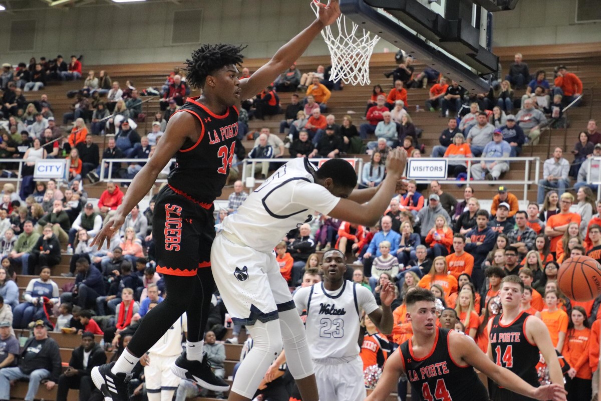 The La Porte High School Slicers Beat Michigan City High School Boys Basketball in Intense Game 54-51