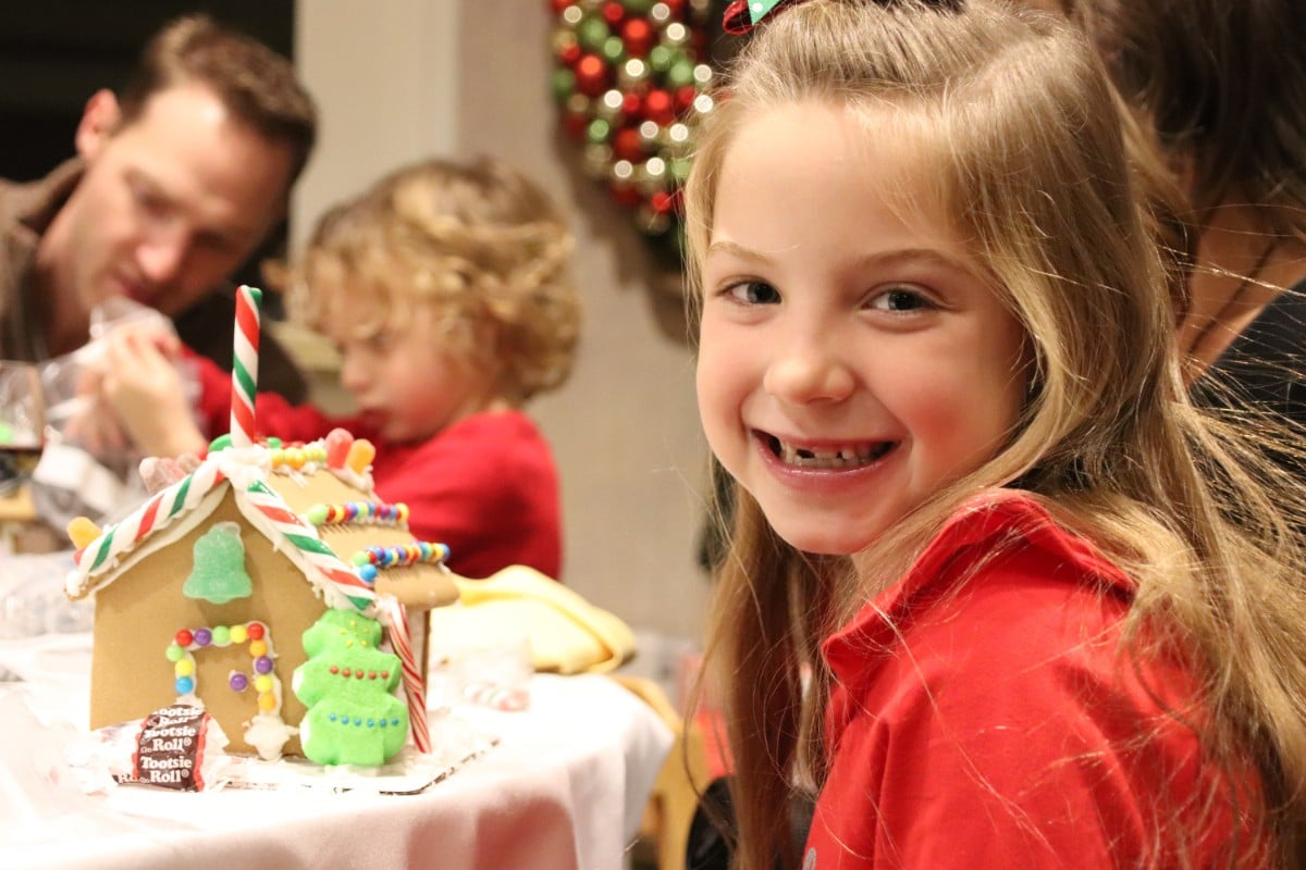 Sand Creek Country Club Kicks Off Holiday Season with 20th Annual Gingerbread House Event