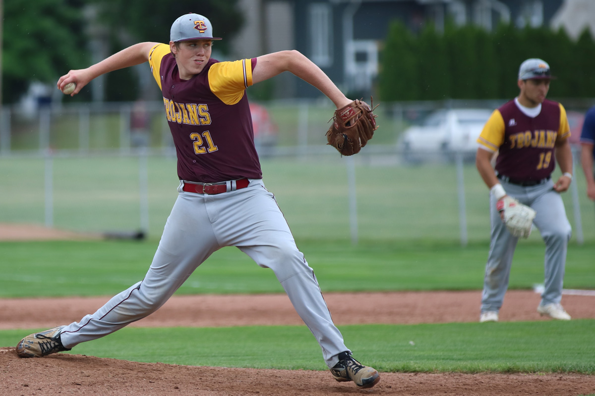 Chesterton's Peterson, Kurek Win MVPs as 2017 Duneland Athletic Conference All-Conference Team Named